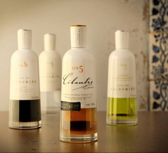 Бутылки ликеров Pazo de Valdomiño
