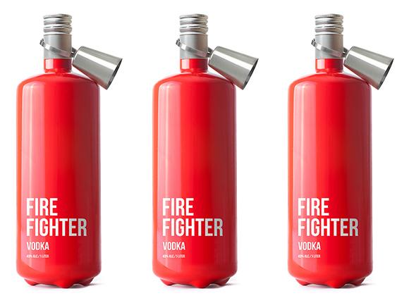 Упаковка водки в виде огнетушителя