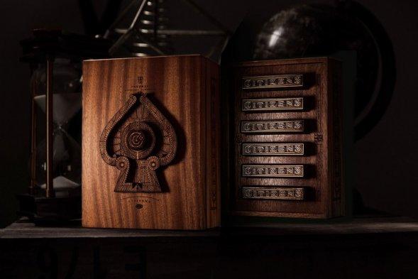 Дизайн упаковки игральных карт
